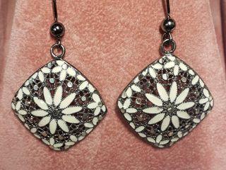 Silver Earrings (~weight 5.5g) (BK06-139) (D2)