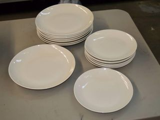 Royal Doulton Plates   8 luncheon Plates 9