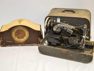 Old Singer Sewing Machine in Case and