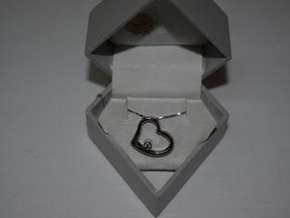 10K White Gold Diamond Heart Pendant   Necklace