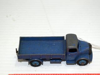 DINKY Austin truck