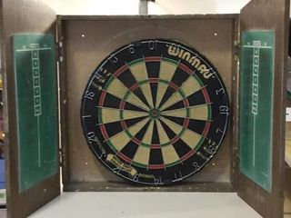 DART BOARD IN WOODEN CASE, NO DARTS