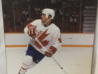 MARK MESSIER 1987 CANADA CUP PICTURE