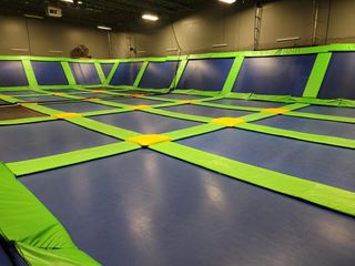 Complete Trampoline Setup- See pics for...