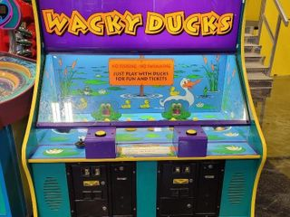Wacky Ducks Arcade Game. 1 - 2 player c...