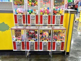 Qty 8 Northern Beaver Toy Vending Machines. F...