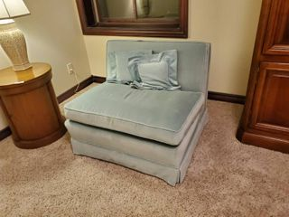 Vintage loveseat w  pillows