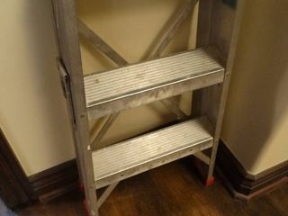 Metal folding step stool