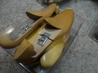 Wooden shoe stretchers