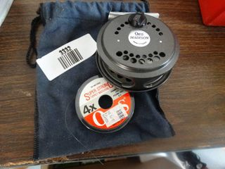 Orvis madison fly fishing reel w  bag