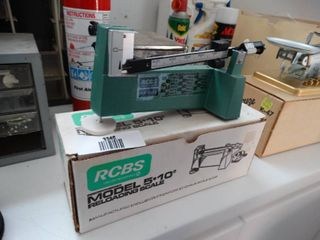 RCBS Model 5 10 reloading scale in box