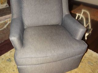 Very fine Pearson Furniture swivel chair