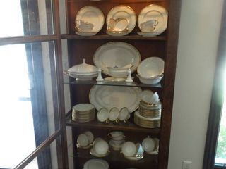 Fantastic HUGE lenox Fine China Set  26 complete sets  Meredith pattern