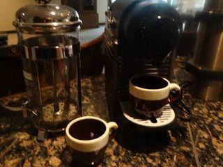 Espresso maker w  mugs
