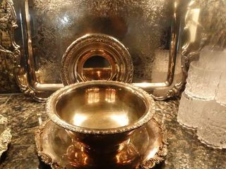 International silver co  silver plate 10  bowl  Wallace Silver plate 9 5  bowl  Wallace silver plate 13 5  platter  23  x 17  silver plate tray