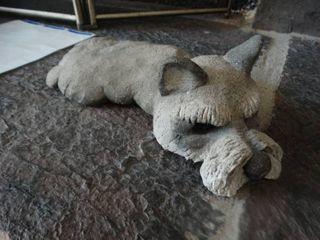 Rankin 1985 dog statue