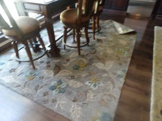7  x 9  beautiful area rug  Made in India