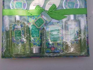 Aromanice Green Apple Sage Bath Gift Set  8 pc