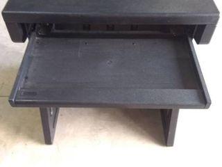 Rubbermaid school desk   workbench