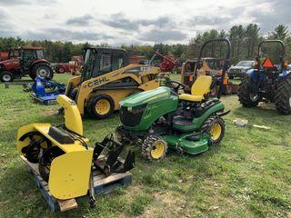2016 John Deere 1025 R Tractor