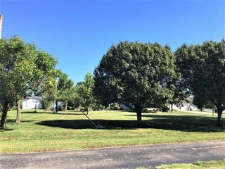 Combination of lOT 1   2 Total 19 95 Acres