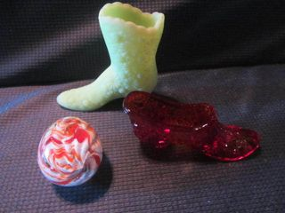 Fenton Shoes, Paperweight