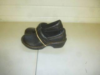Born Clogs Size 7 1/2 Womens
