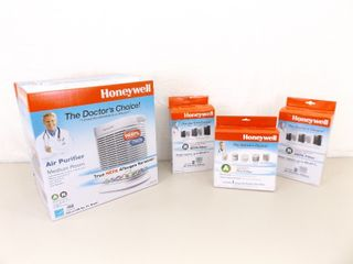 NEW in Box Honeywell HEPA Air Purifier #HPA104WMP w/Extra Filters