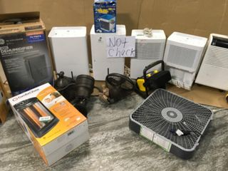 PALLET WITH ASSORTED HUMIDIFIERS/ HEATER/ FANS/ AIR COOLERS! CUSTOMER RETURNS SEE PICS!