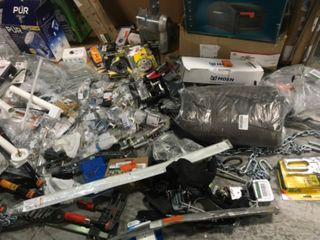 MISC ASSORTED PALLET WITH GARAGE/HOUSE AND WORK TOOLS! CUSTOMER RETURNS SEE PICS!
