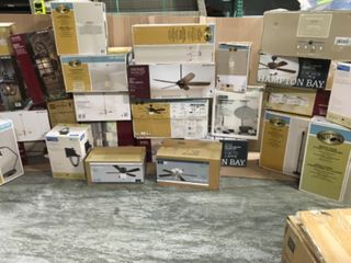 MIXED PALLET WITH ASSORTED HAMPTON BAY/ HOME DECOR COLLECTION CEILING FAN WITH LIGHT! DIFFERENT TYPES/MODELS! CUSTOMER RETURNS SEE PICS!