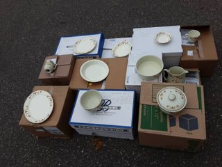 Collection Of Hall's Autumn Leaf Table Ware (11 Boxes)-See Photos For Inventory List