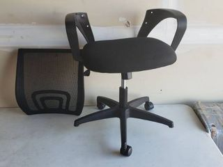 Office Chair Missing Parts Including 5 bolts And 2 Wheels