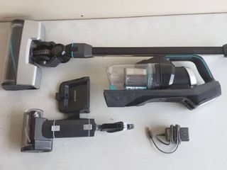 BISSEll ICONpet High Powered Cordless Vacuum Cordless Stick Vacuum With Wall Mount And Attachments