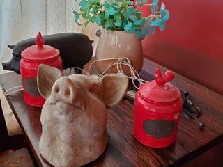 Pig and Chicken Decor