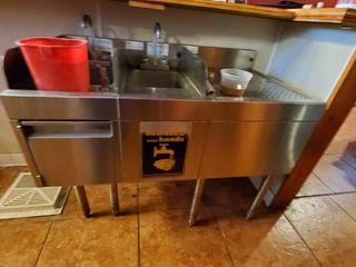 2 Bay Bar Sink
