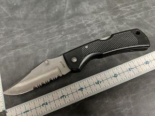 Maxam very sharp pocket knife