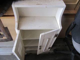 1 White Vintage Wooden Shelf