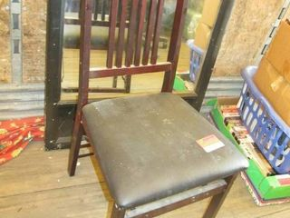 Foldind wood chair with black seat