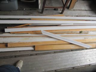 18 pieces of white wood trim 3  to 16