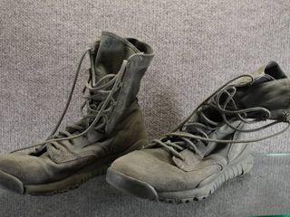 Nike Work Boot Size 10 1 2 or 11   Waterproof