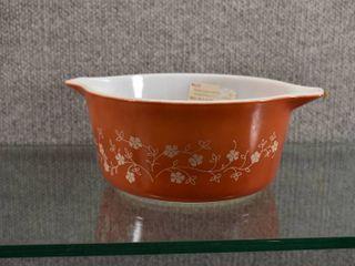 Vintage Pyrex Casserole Dish Trailing Flowers Rust 1 5 Qt   No lid    474B