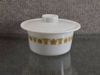 Vintage Pyrex Butterfly Butter Dish w  lid   5 1 2  Round
