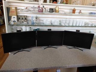 Set of 3 Dell lCD Monitors   20  Screens  16 9 Ratio    All Work