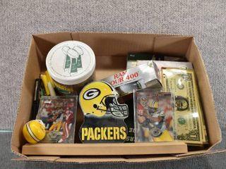 Sports Box Memorabilia Green Bay Packers   Contains Brett Favre Card  Reggie White Card  Pens  Books