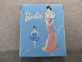 Rare Vintage 1962 Barbie Doll Blue Ponytail Carry Case   1962  B4 Midge Barbie with lots of Doll Clothes and Accessories   Case   10 5  x 12 5    Doll   11 5  Tall