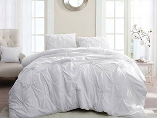 BYB White Pin Tuck Comforter Set  Full   Retail 78 48