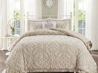 Madison Park Sarah White Tufted Comforter 4 Piece Set  King Cal King   Retail 157 27