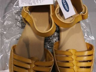 girls Old Navy shoes in size 9