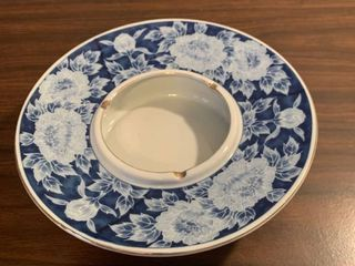 large Blue and White Floral Porcelain Ashtray location Spare